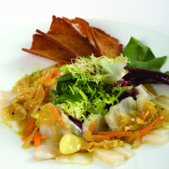 SALT COD SALAD WITH BROA* BREAD SLICES AND ONION
